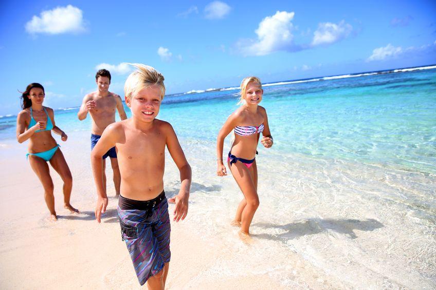 family-fun-at-beach