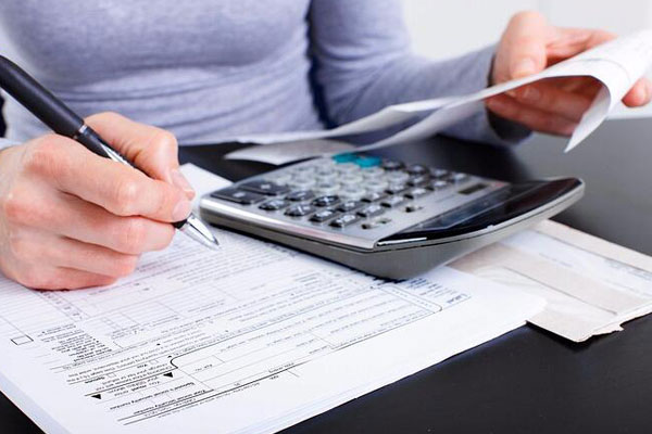 10 Reasons Why Budgeting Is Important (and could save your marriage)